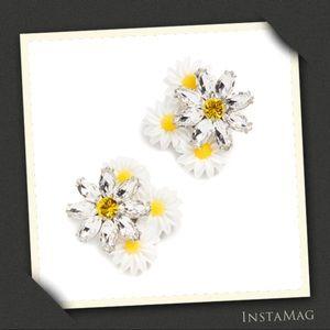 FOR LOVE & LEMONS Posy Drop Daisy Earrings